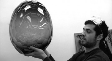 David Wiseman * R Gallery  David Wiseman * R Gallery  1 David WIseman Holding his piece 360x195