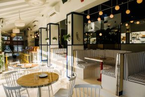A Summer Day Café by Savvy Studio summer day café A Summer Day Café by Savvy Studio a summer cafe 3 292x195