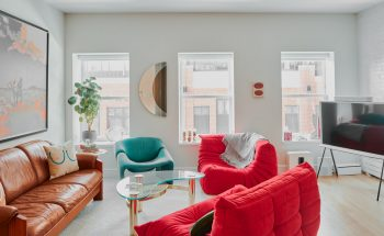 Marc Rebillet's Manhattan Apartment is as charming as him marc rebillet Marc Rebillet's Manhattan Apartment is as charming as him AD Marc Rebillet 00040 350x215